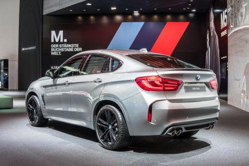 Todocaminos: trasera del SUV BMW X6 M