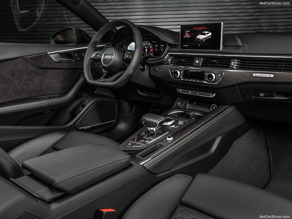 Audi RS5 Sportback: interior