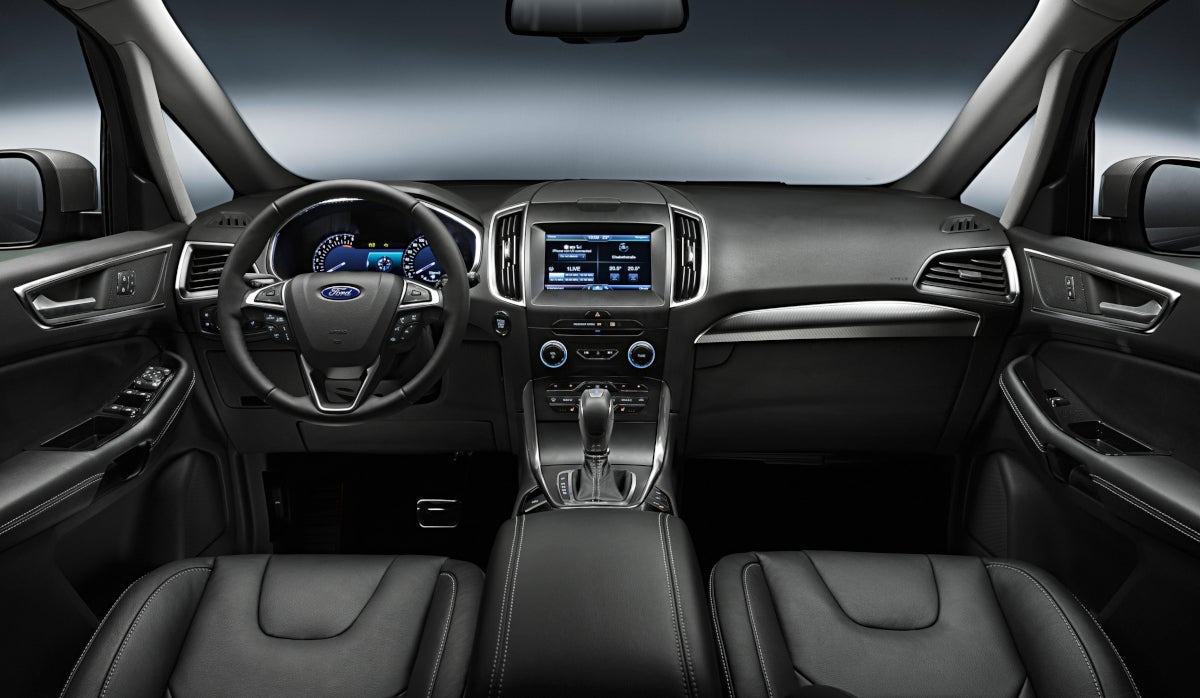 interior del ford s-max