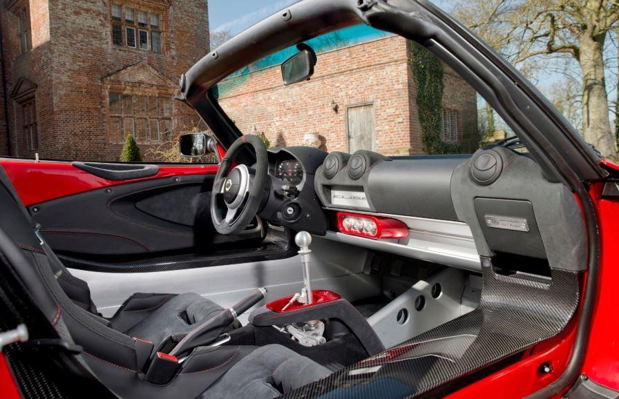 Interior del Lotus Elise 220.