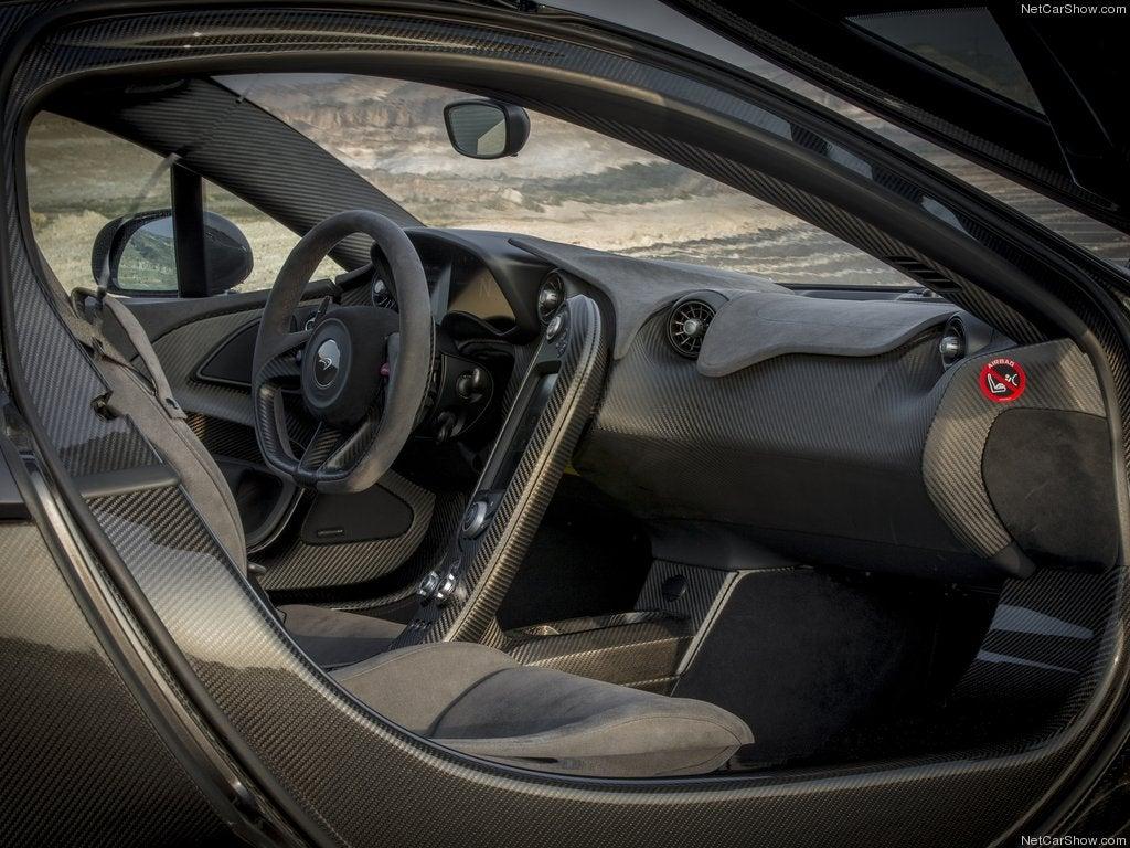 McLaren P1: interior.