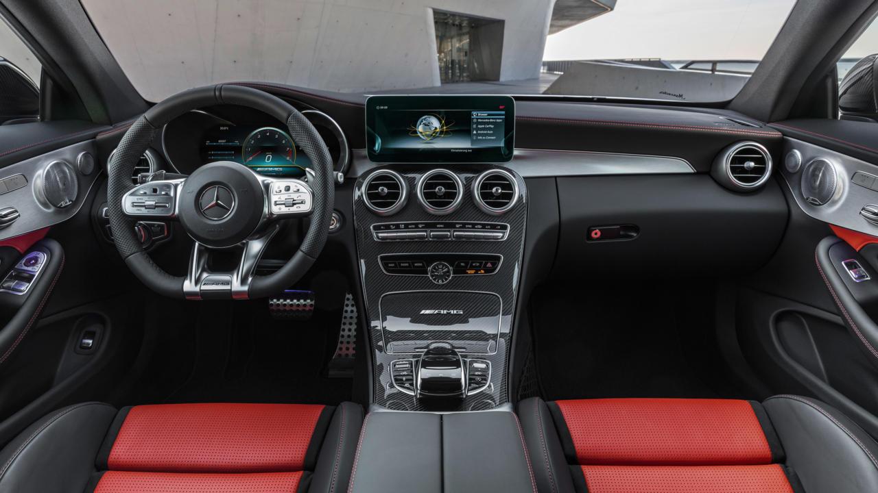 Mercedes-AMG C 63: interior