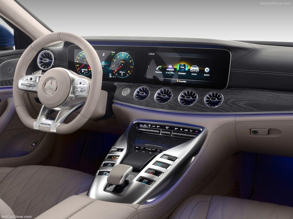 Mercedes-AMG GT 4: interior