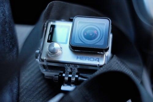 Soportes de la GoPro en el coche.