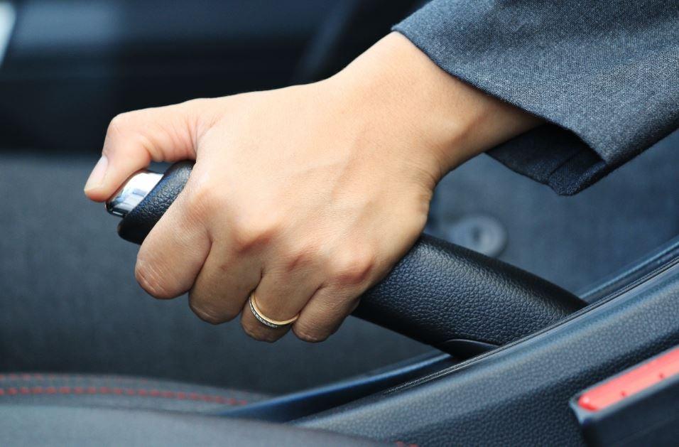 Elementos que echamos de menos en los coches nuevos