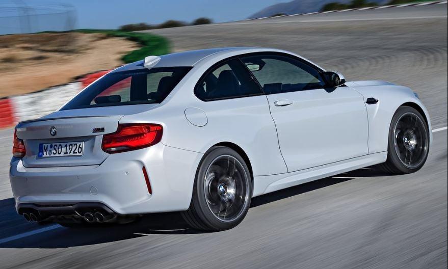 Imagen exterior trasera del BMW M2 Competicion.