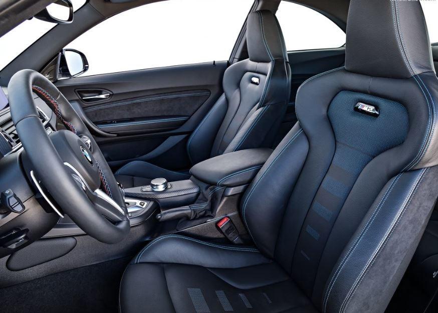 Interior del BMW M2 Competicion.