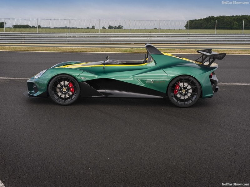 Lotus 3-Eleven: lateral