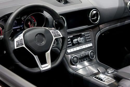Manipular cuentakilómetros de un coche