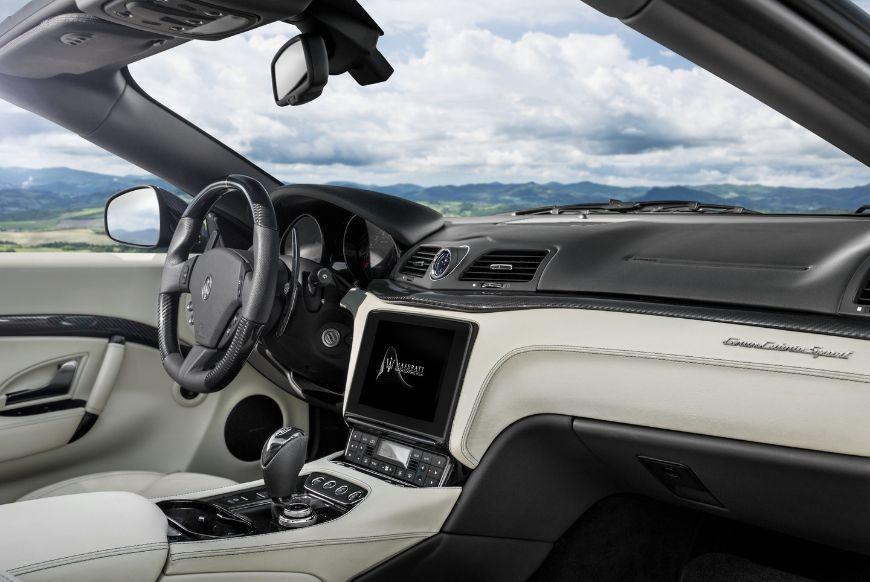 Maserati GranCabrio: interior