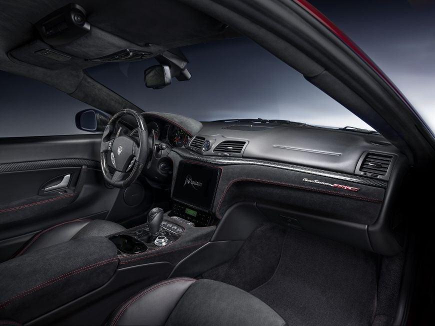Maserati GranTurismo: interior