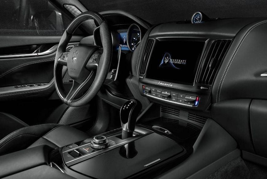 Maserati Levante: interior