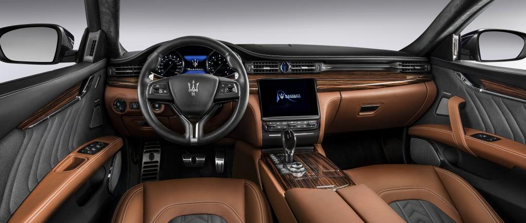 Maserati Quattroporte: interior