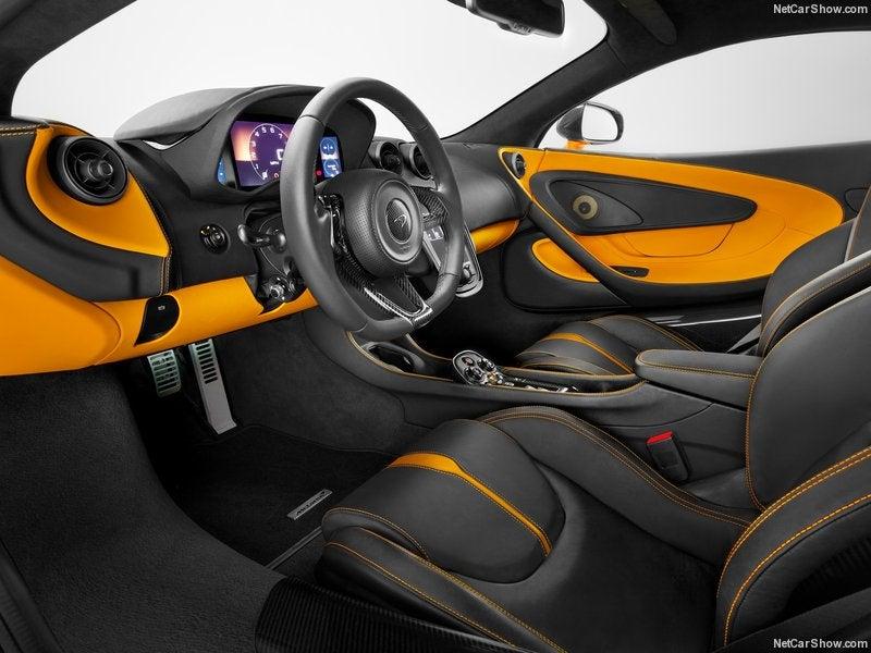 McLaren 540C: interior