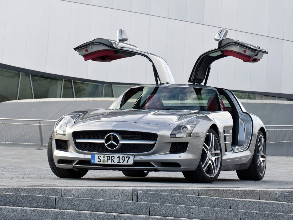Mercedes SLS AMG, la reinterpretación moderna del alas de gaviota