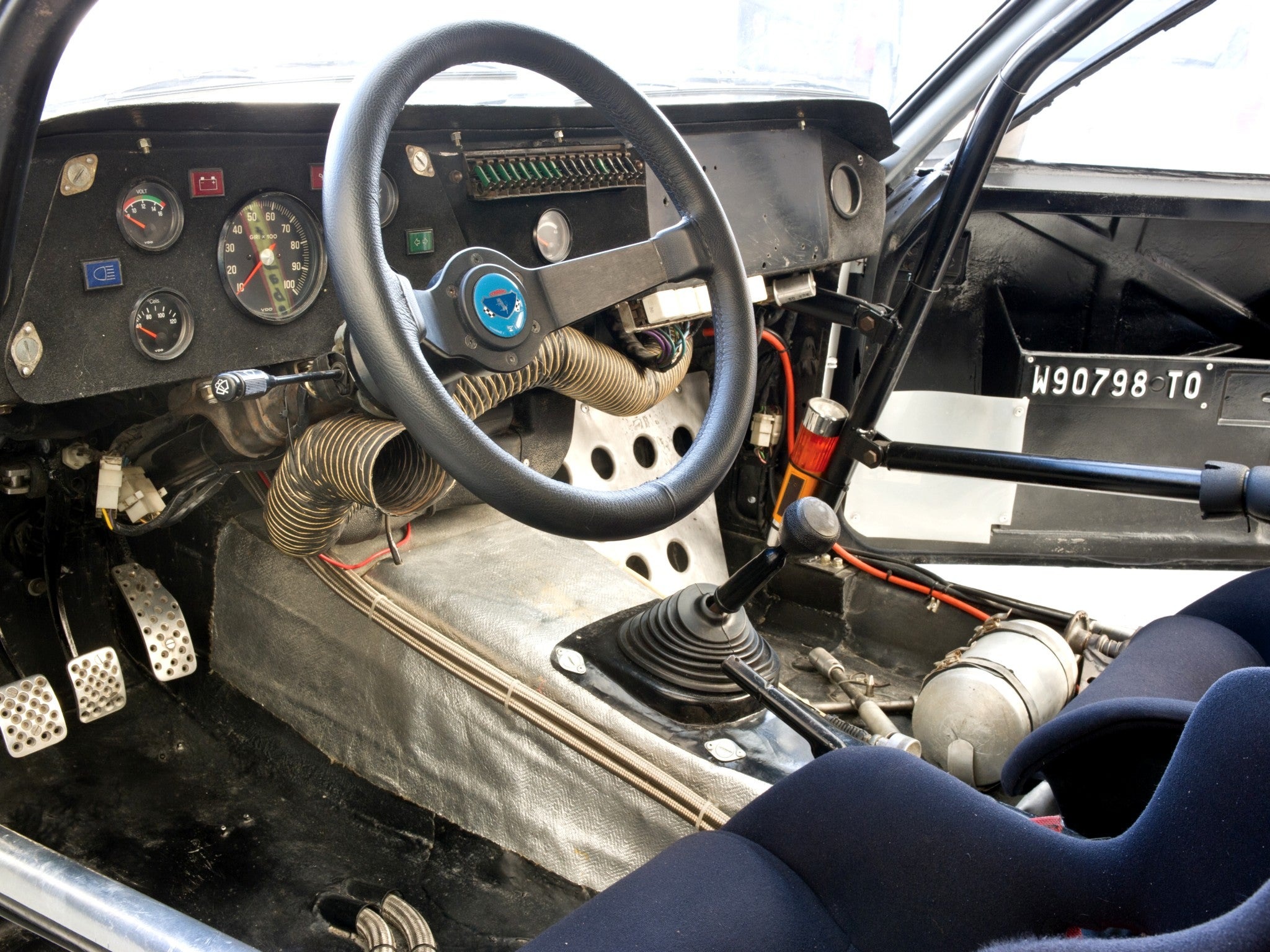 Opel Manta 400 Grupo B: interior