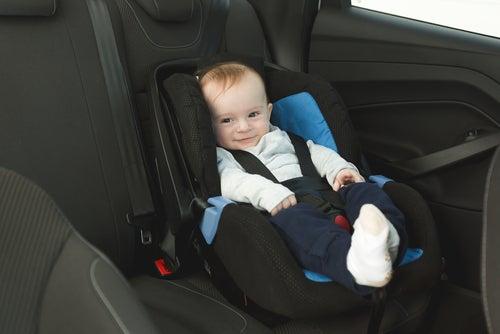 Seguridad de asientos del coche para niños.