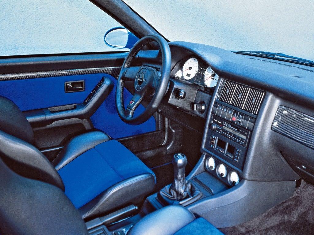 Audi RS2 Avant: interior