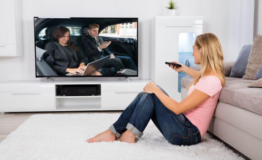 Coches en la televisión.