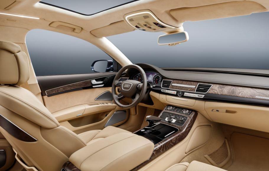 Interior del Audi S8.