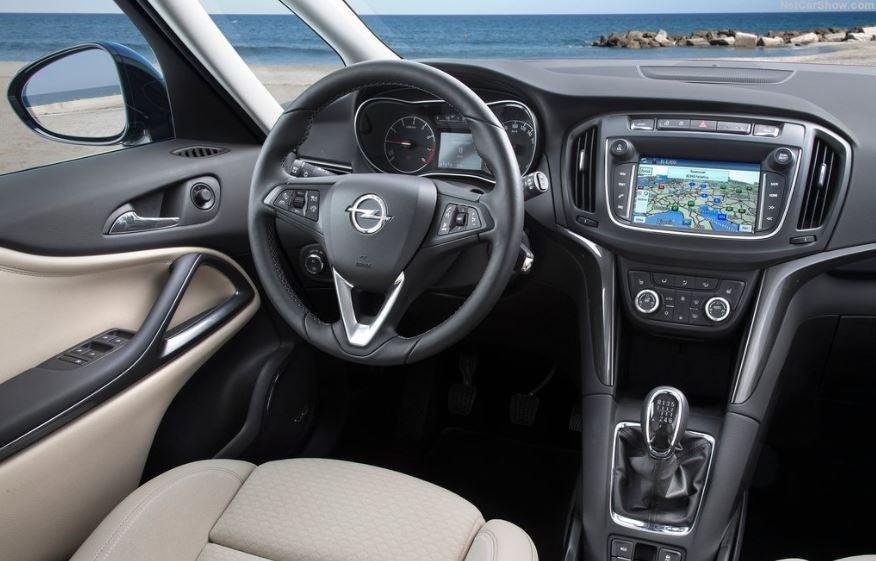 Interior del Opel Zafira.