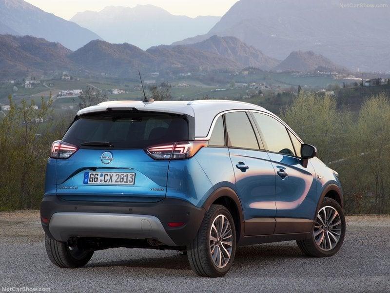 Opel Crossland X: trasera