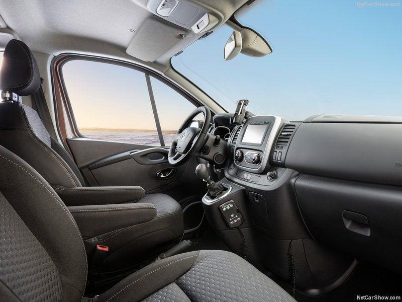 Opel Vivaro: interior