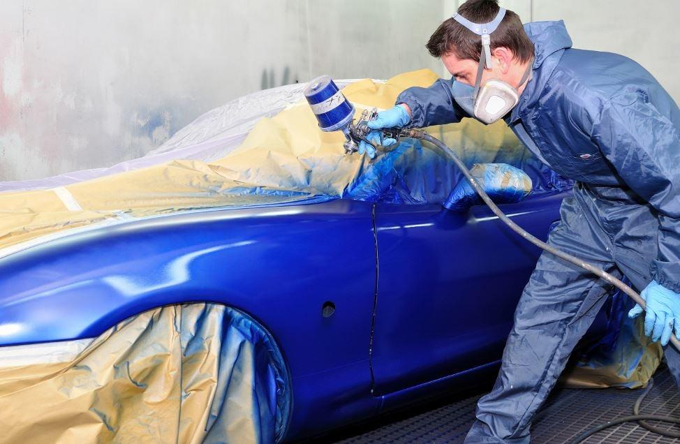 Pintar nuestro coche de otro color.