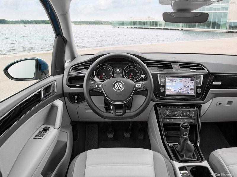 Volkswagen Touran: interior