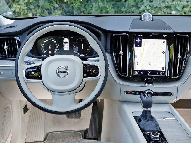 Volvo XC60: interior