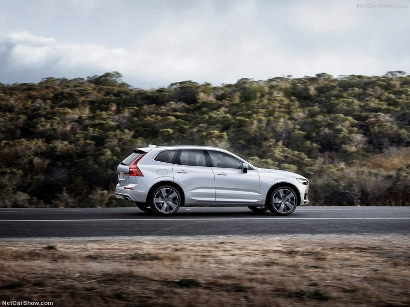 Volvo XC60: lateral