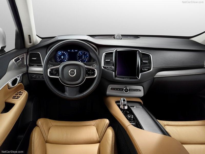 Volvo XC90: interior