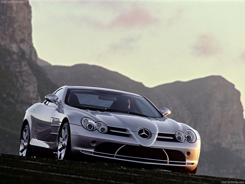 Parde delantera del Mercedes Benz SLR McLaren 2004