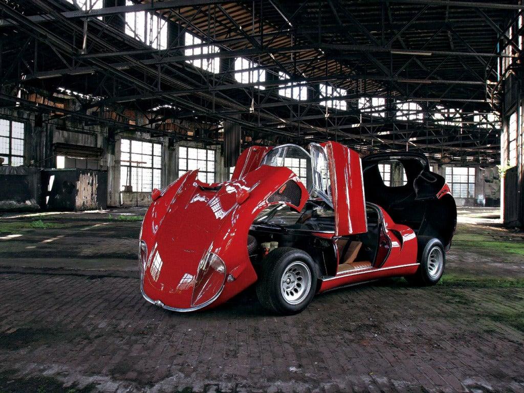Alfa Romeo Tipo 33 Stradale abierto