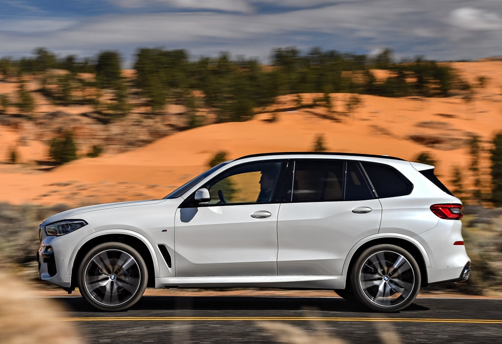 BMW X5: lateral