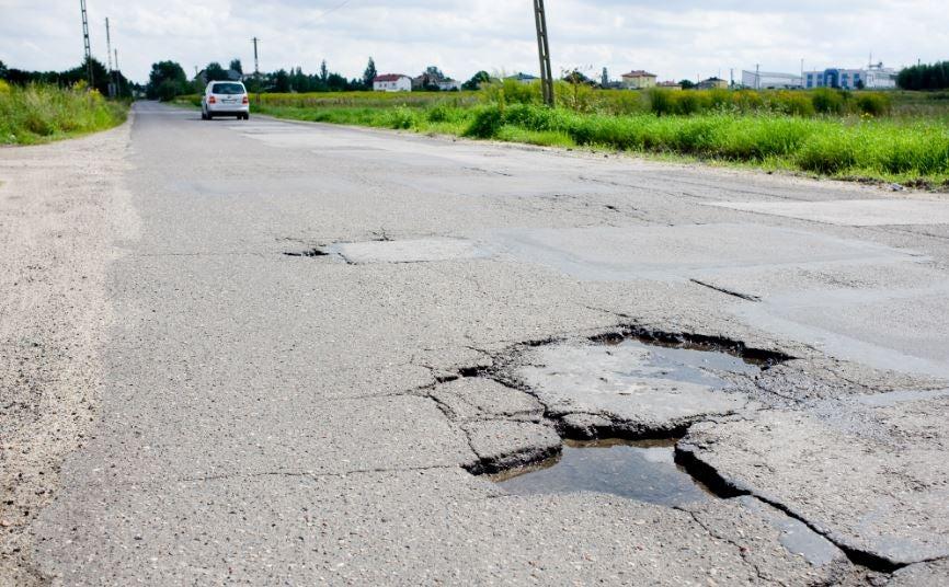 Falta de mantenimiento en las carreteras.