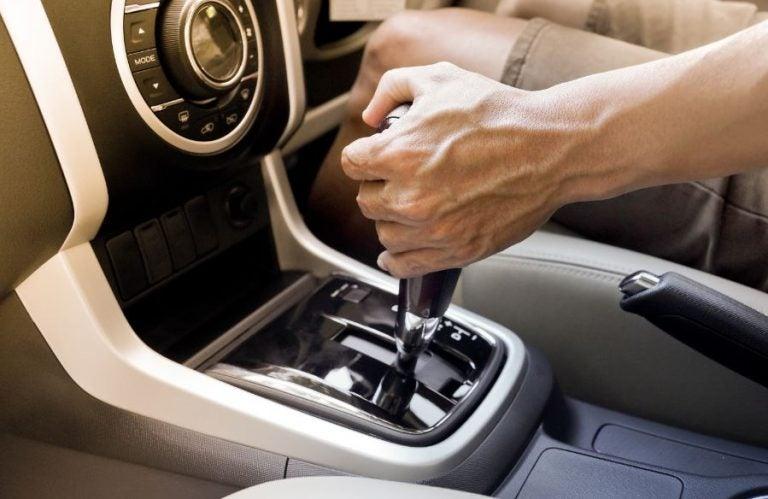 ¿Es conveniente comprar un coche automático?