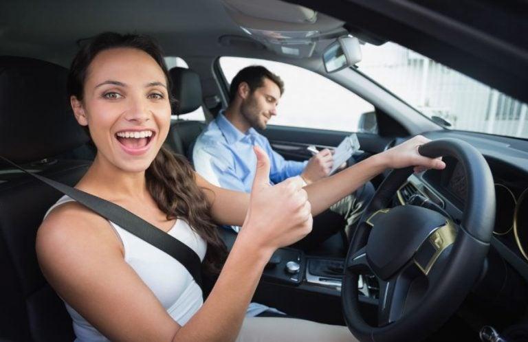 Cursos de conducción gratuitos: voces a favor
