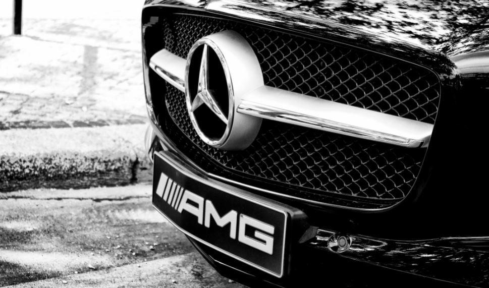 ¿Qué significan las siglas de los coches?