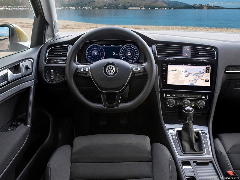 Volkswagen Golf: interior