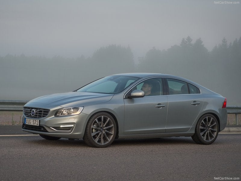 Volvo S60: lateral