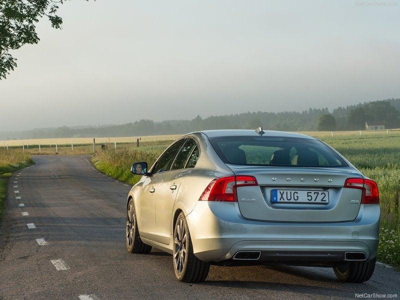 Volvo S60: trasera
