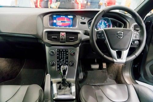 Volvo V40: interior