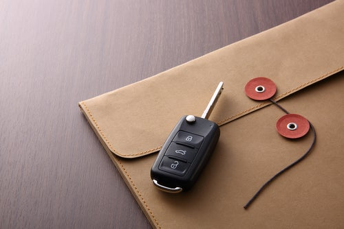 Cómo cambiar la titularidad de un vehículo