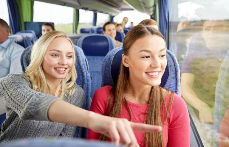 ¿Es obligatorio ponerse el cinturón de seguridad en los autobuses?