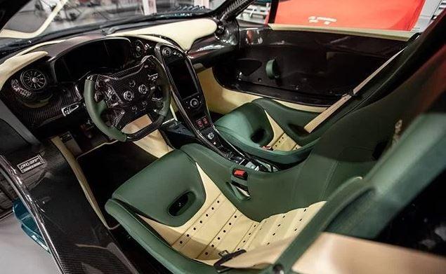 Interior del McLaren P1 GT.