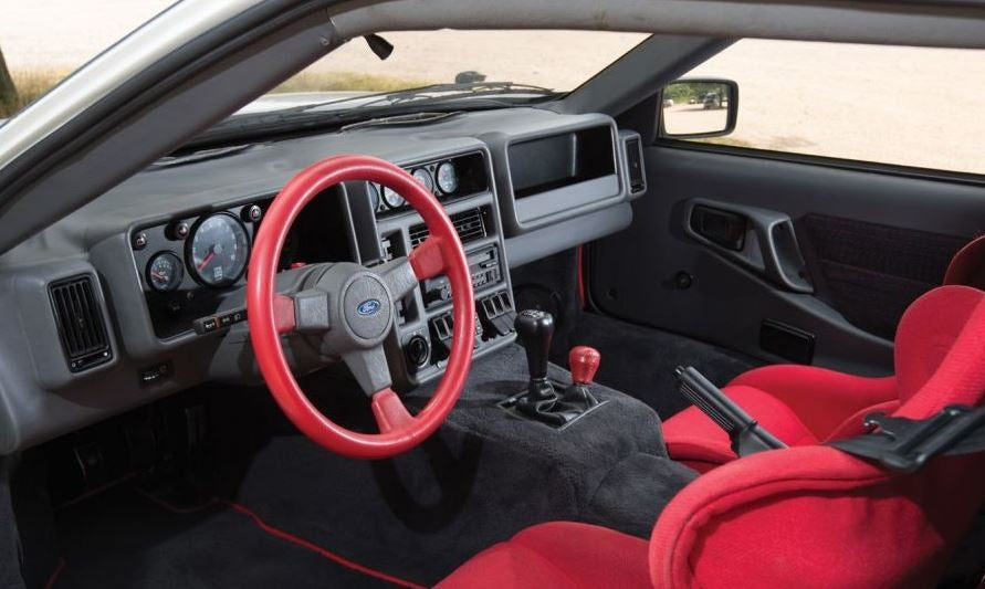 Interior del Ford RS 200.