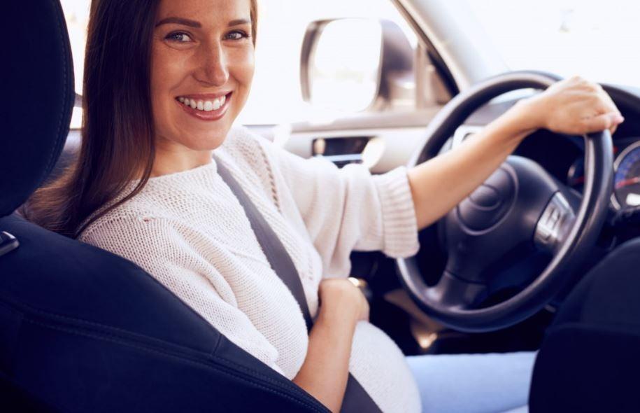 Las mujeres son más tranquilas al volante.