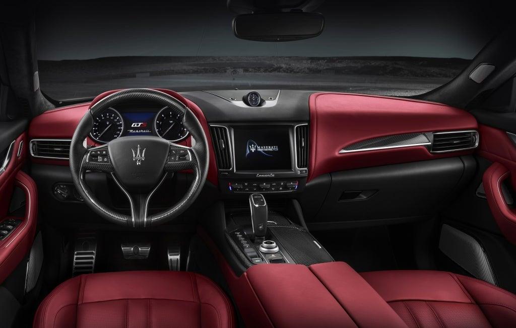 Maserati Levante GTS: interior