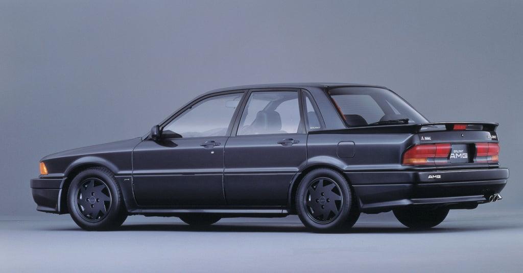 Mitsubishi Galant AMG: trasera